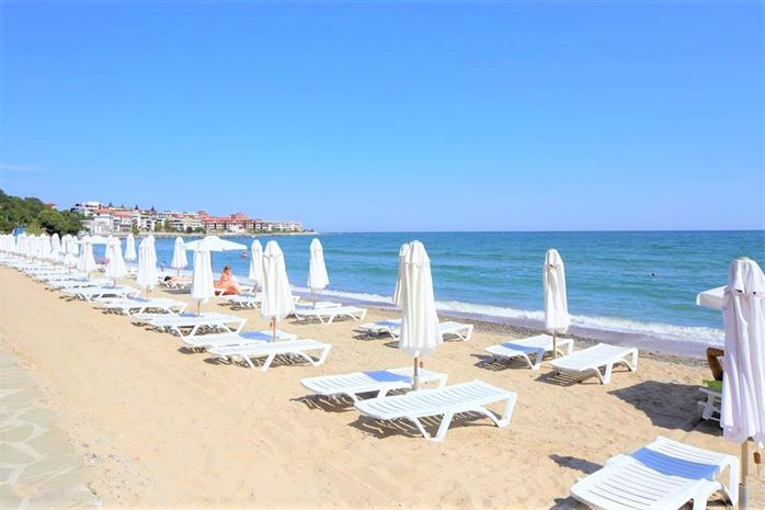 PARADISE BEACH 6