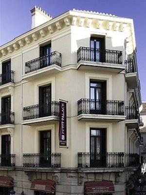 PETIT PALACE LONDRES
