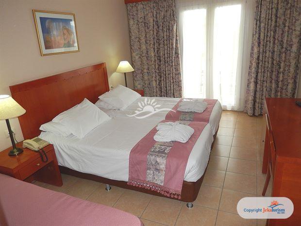 Poze Hotel ARITI GRAND