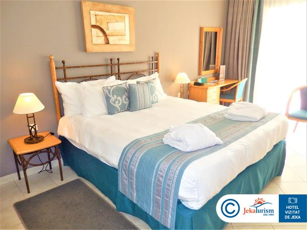 Poze Hotel MARINA HOTEL CORINTHIA BEACH