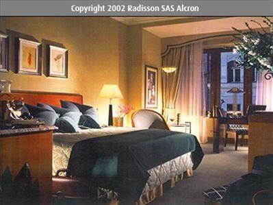 RADISSON BLU ALCRON 7