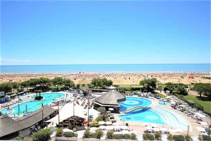 SAVOY BEACH 7