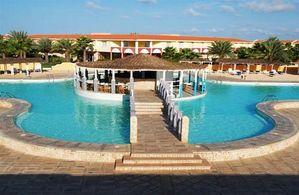 Hotel CRIOULA CLUB RESORT SAL