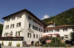 Hotel GARDEN LACUL LEDRO