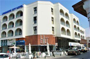 Hotel LIVADHIOTIS CITY LARNACA