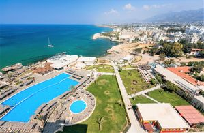 Hotel LORDS PALACE KYRENIA