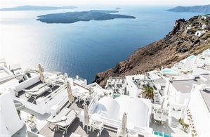 Hotel ON THE ROCKS SANTORINI