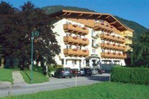 Hotel ALMHOF LACKNER ZILLERTAL