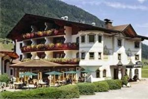 Hotel ALPENSCHLOSSL NEUSTIFT TIROL