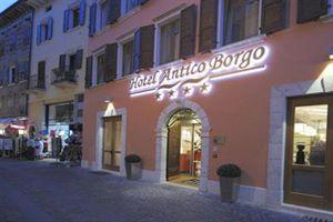 Hotel ANTICO BORGO LACUL GARDA