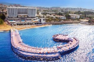 Hotel AZURA DELUXE AND SPA ALANYA
