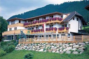 Hotel BERGKRANZ STUBAITAL