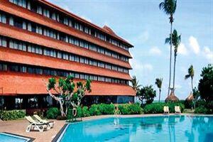 Hotel CHAAYA TRANZ HIKKADUWA