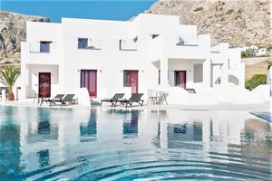 Hotel CROWN SUITES SANTORINI