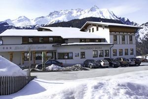Hotel EDELWEISS NAUDERS TIROL