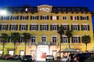 Hotel GRAND RIVA LACUL GARDA