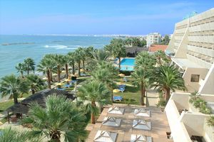 Hotel PALM BEACH LARNACA