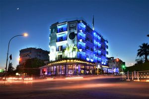 Hotel RISE LARNACA