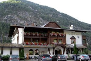 Hotel SCHWARZER ADLER ST. ANTON Am ARLBERG