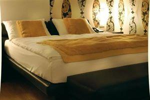 Hotel TOBAGO LACUL GARDA