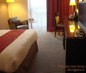 Poze HOLIDAY INN PORTE DE CLICHY 15
