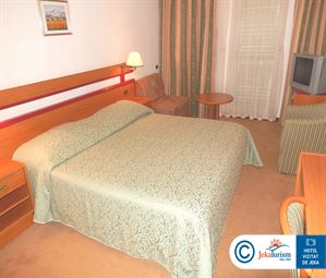 Poze Hotel HORIZONT BASKA VODA CROATIA