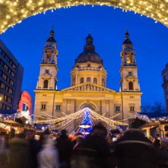 1480435321-budapest-christmas-market