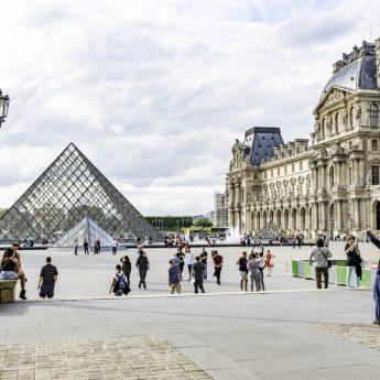 Cdg_Paris_The_Louvre_1016_01