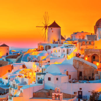 JTR0019 The famous Oia sunset RGB 136 DPI For Web