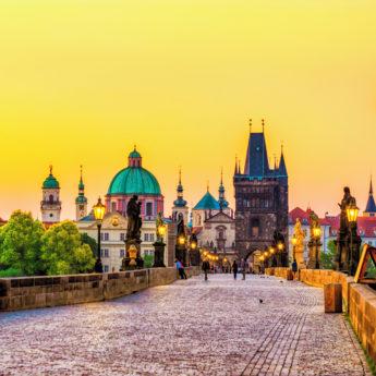 PRG_Prague_Charles_Bridge_966899422_Getty_RGB-136-DPI-For-Web