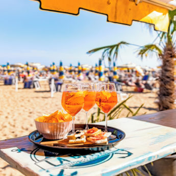 VCE_Lido_di_Jesolo_Aparol_Spritz_on-the-Beach_POI_0719-48_RGB-72-DPI-For-MSOffice