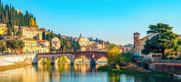 VRN_Verona_Ponte_Pietra_bridge_on_Adige_river_933307216_Getty_RGB-136-DPI-For-Web