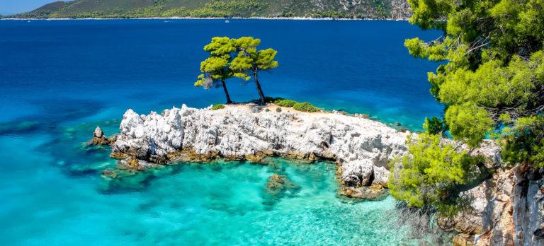 WEB-JSI_Skopelos_Amarantos_Rocks_649768768_Getty