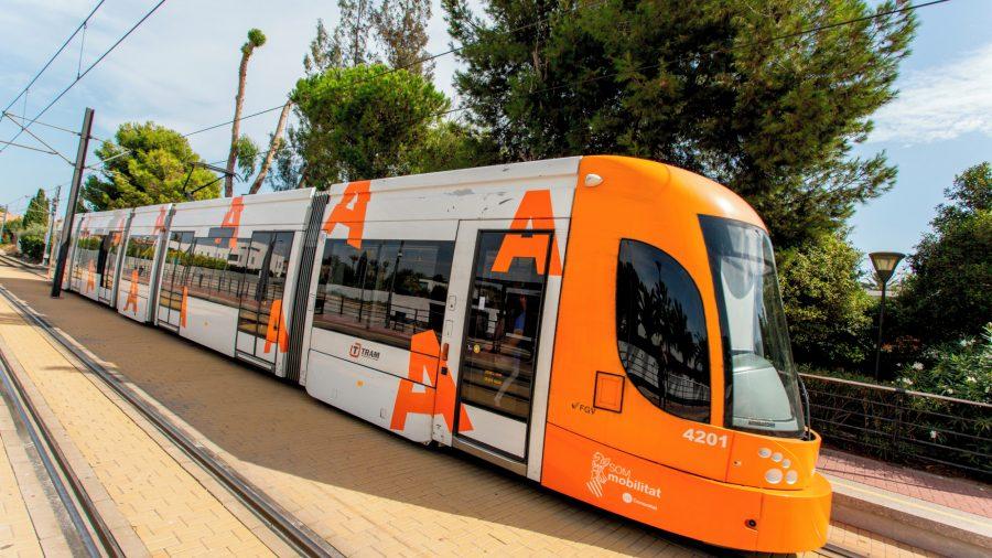 ALC_Alicante_Tram_0217_02_RGB-136-DPI-For-Web
