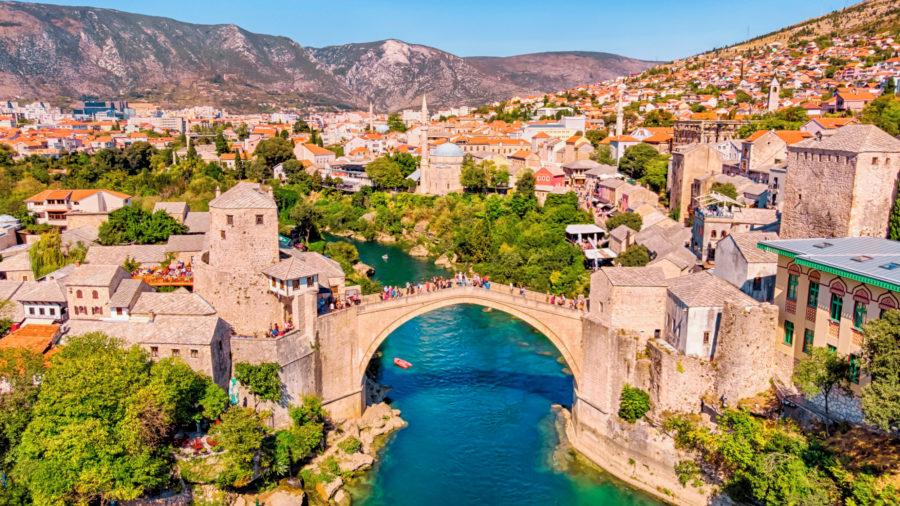Bosnia_Mostar_Bridge_1090767950_Getty_RGB-136-DPI-For-Web