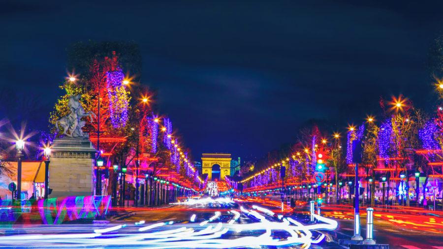CDG_Paris_Christmas_622214022_Getty_RGB-136-DPI-For-Web