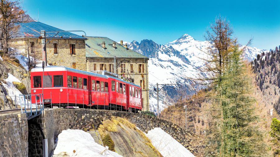 Chamonix_Montenvers_Train_155372405_Getty_RGB-136-DPI-For-Web