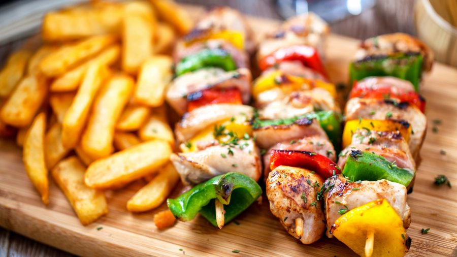 Chicken_Skewer_with_Potatoes_172476011_RFIS_0219