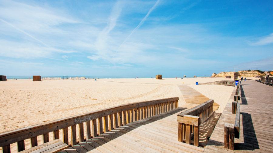 FAO Praia da Rocha Beach 0515 09 RGB 136 DPI For Web