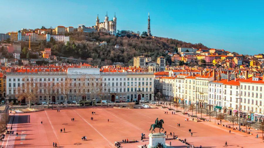 France_Lyon_City_Place_Bellecour_1136629487_Getty_RGB-136-DPI-For-Web