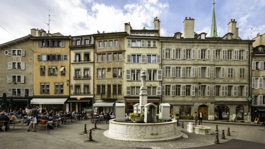 GVA_Place_du_Bourg_de_Four_39771980_RFIS_0716
