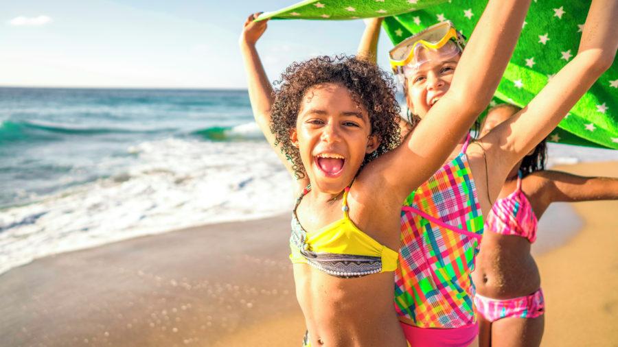 Girls Fun Beach 948250720 Getty RGB 136 DPI For Web