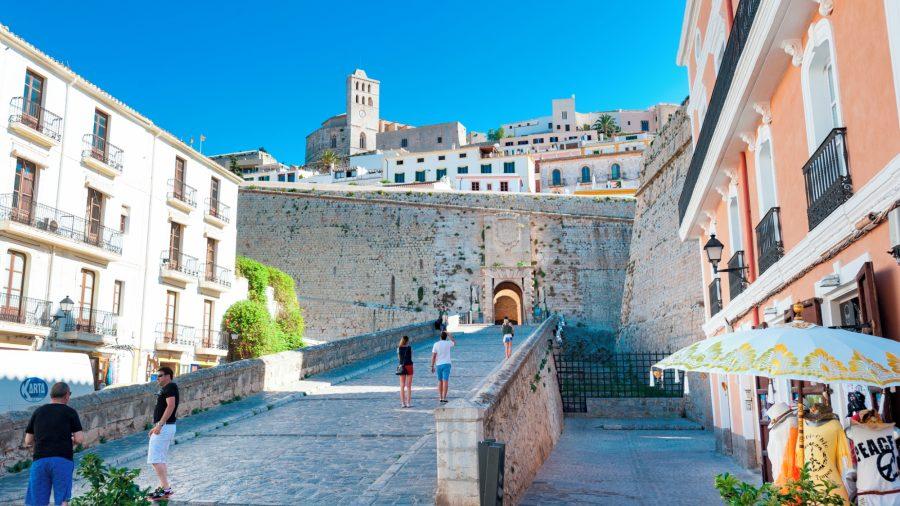 IBZ_Ibiza_Town_Dalt_Vila_0117_01_RGB-136-DPI-For-Web