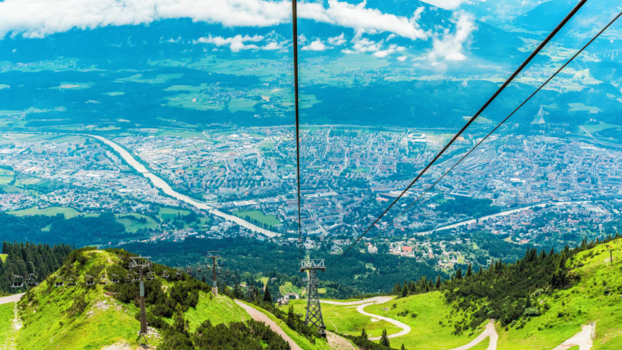 INN_Innsbruck_Cable_Car_Moutain_1151068960_Getty_RGB-136-DPI-For-Web