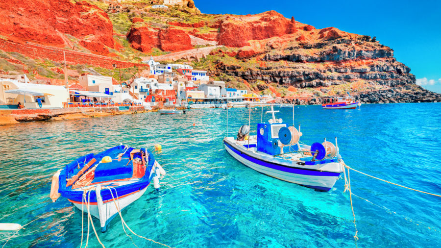 JRT Santorini Oia Ia village Old Port 889040858 Getty RGB 136 DPI For Web