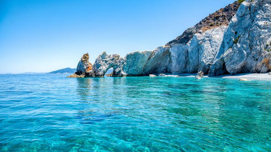 JSI0003_Boat_tour_around_Lalaria_sea_caves_01