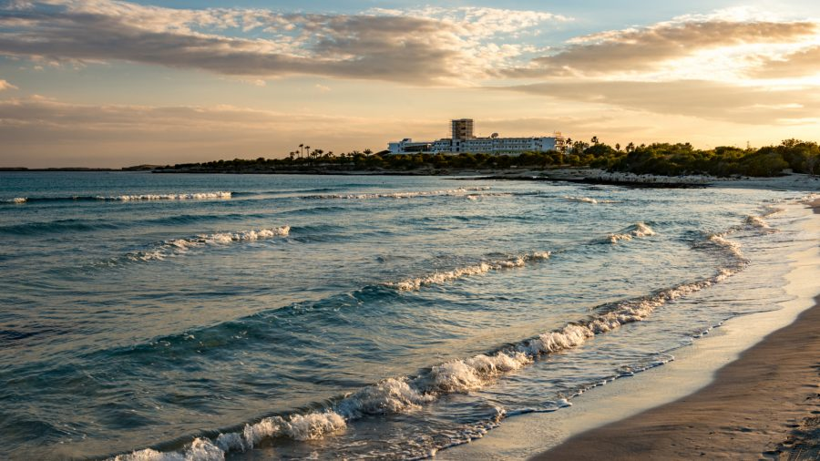 Lca Landa Beach 0117 01