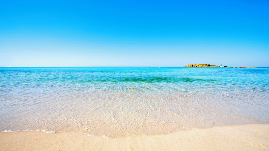 LCA N Issi Beach 90382814 Getty RGB 136 DPI For Web