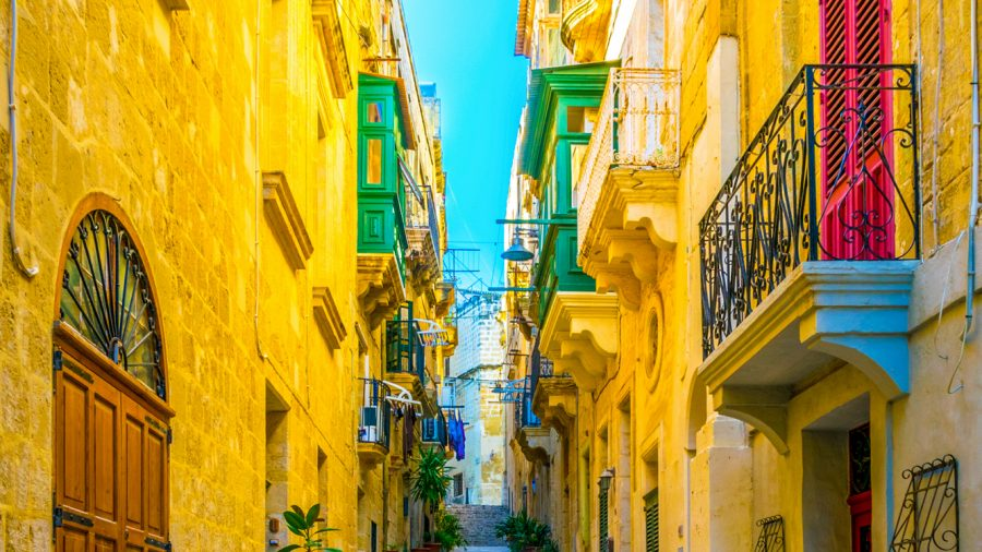 MLA_Narrow_Street_in_Birgu_1068719004_RFIS_0219