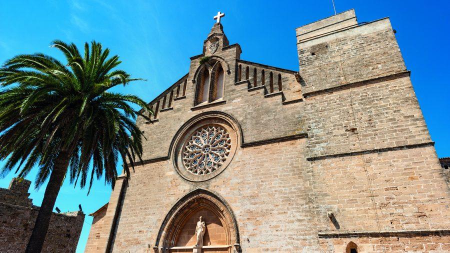 PMI_Alcudia_Old_Town_0117_10